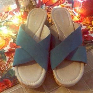 Barely Worn Donald J Pliner Sandals